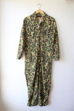 Load image into Gallery viewer, VINTAGE WEATHER-RITE CAMO COVERALLS SZ M