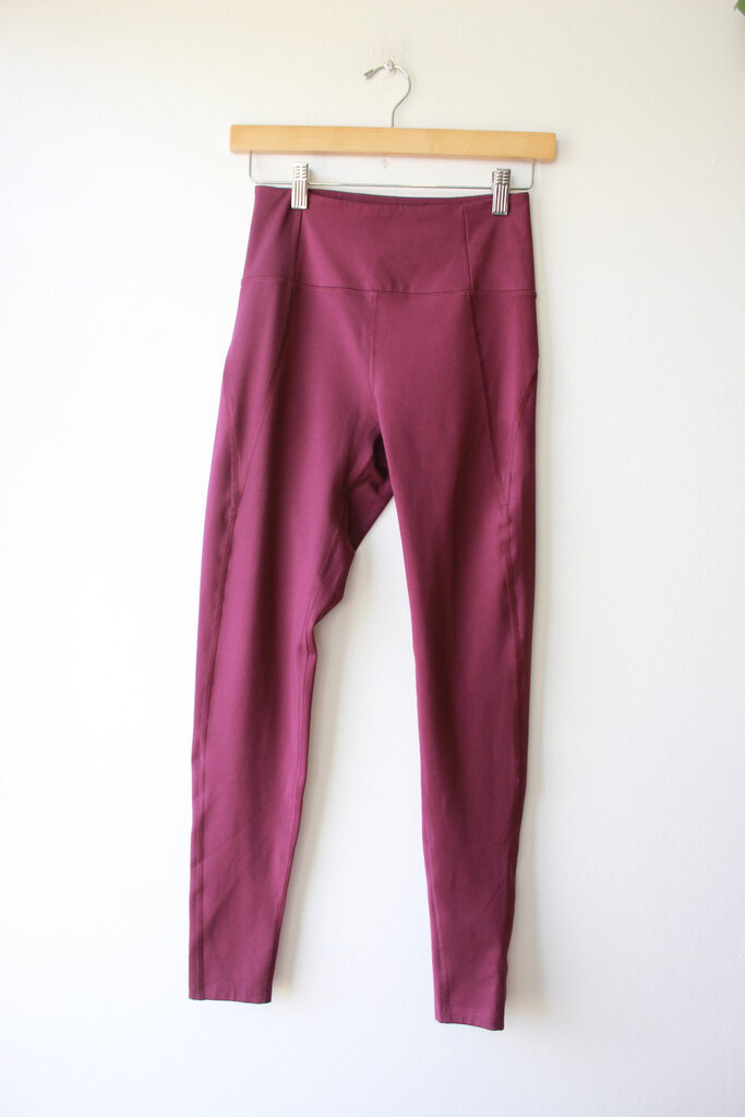 GIRLFRIEND COLLECTIVE COMPRESSIVE HIGH RISE LEGGING IN MULBERRY SZ S ($68 ONLINE)