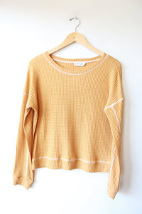 PEACH LOVE MUSTARD CROPPED THERMAL TOP SZ S