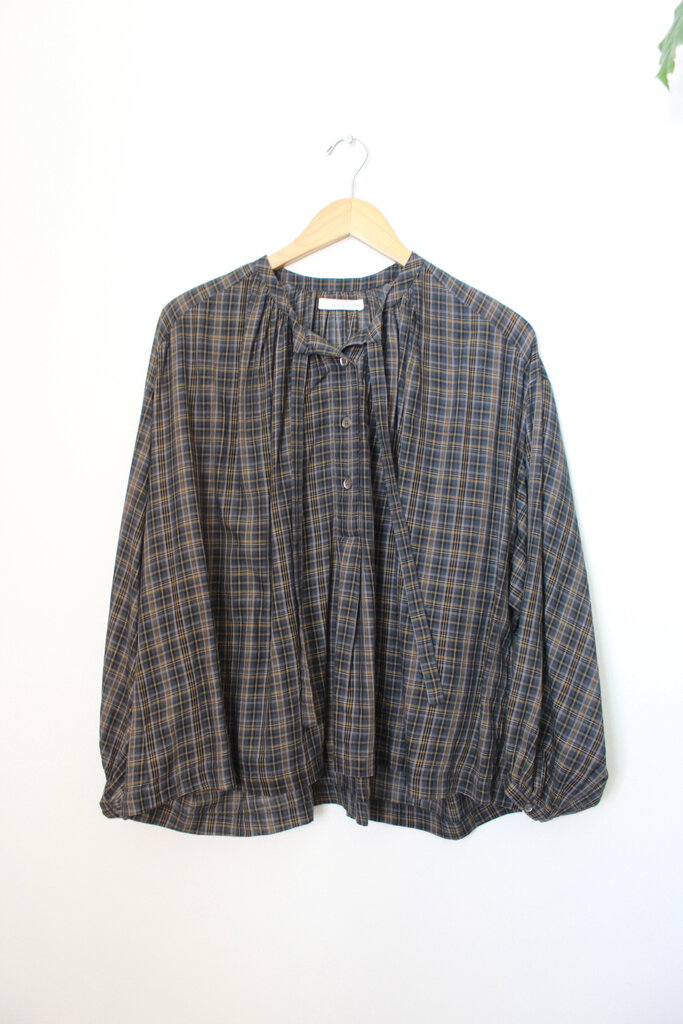 DOEN GUADALUPE TOP IN NAVY PLAID SZ S