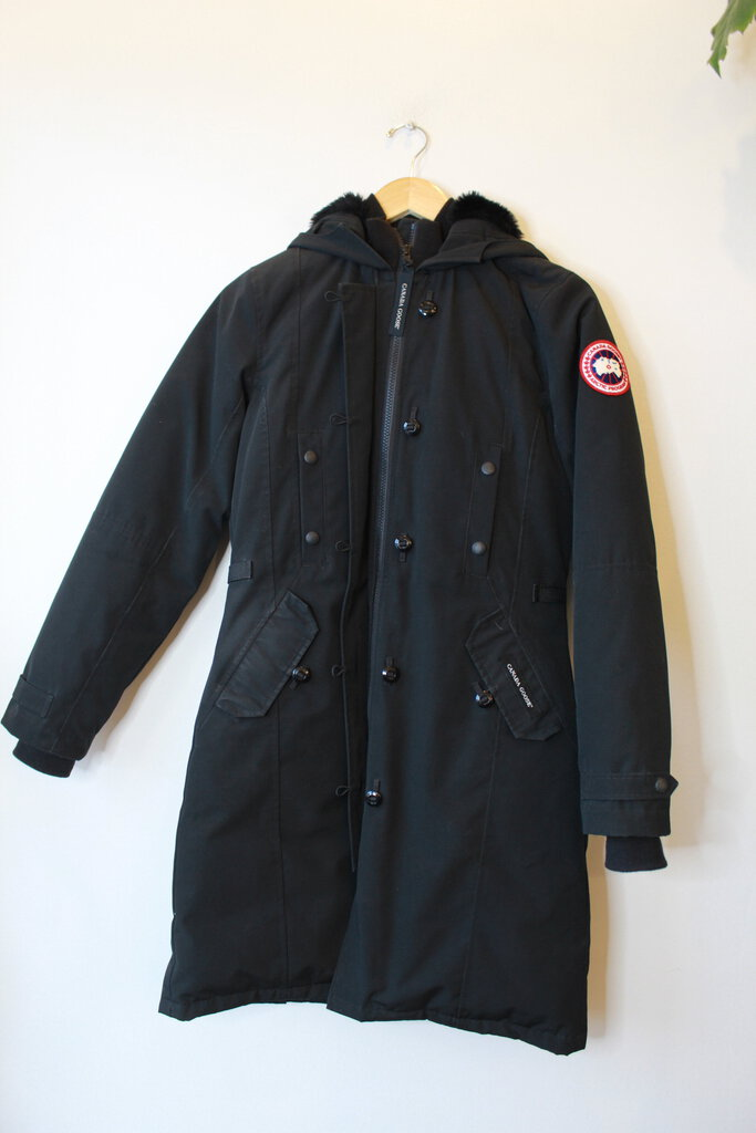 CANADA GOOSE BLACK DOWN WATERPROOF HOODED PARKA SZ XS (RETAIL $995) (AS IS: SOME WEAR)