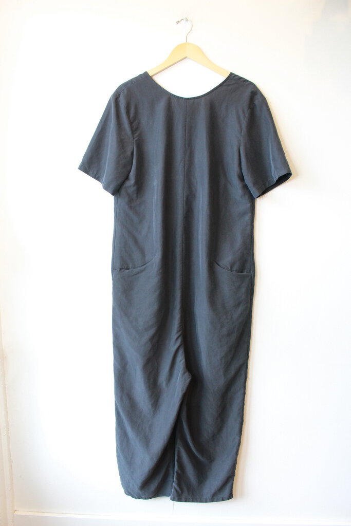 ASOS WASHED BLACK V-BACK JUMPSUIT SZ 6