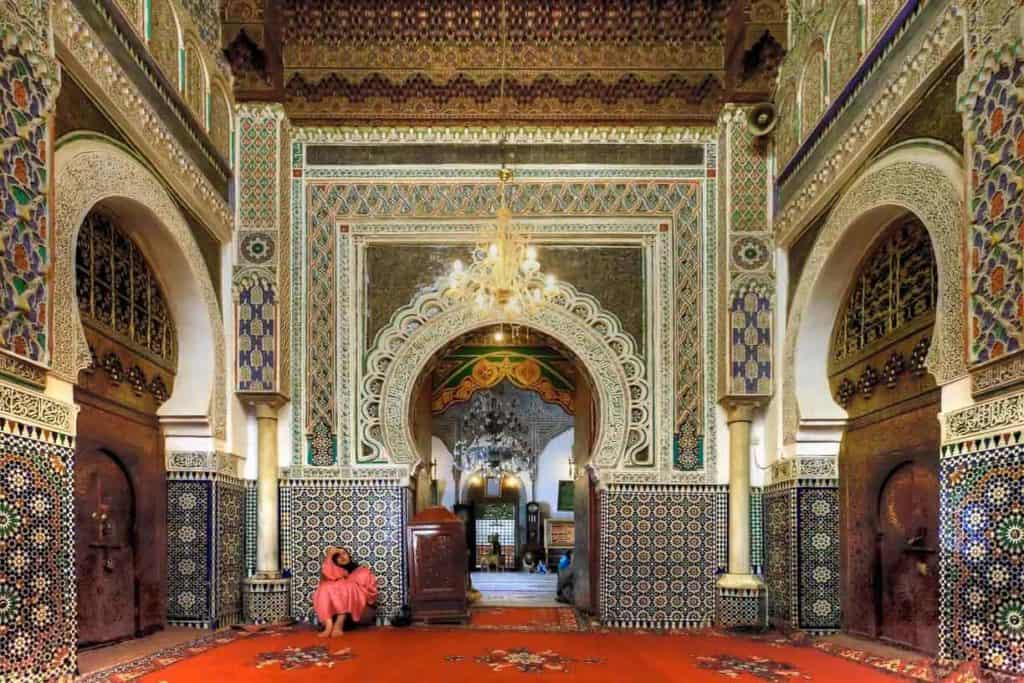 Most-beautiful-mosques-in-morocoo-Zaouia-Moulay-Idriss-II