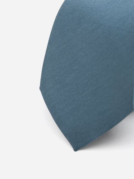 Teal Blue Solid Necktie In Silk