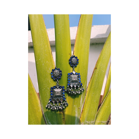 Blue Kundan Inspired Silver Handcrafted Earring With Pearls