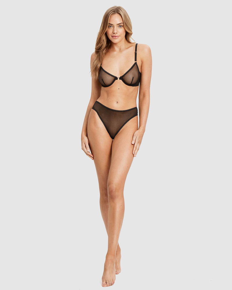 Lover Underwire Set (Black or White)