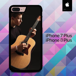 Shawn Mendez Playing Guitar O7520 hoesjes iPhone 7 Plus , iPhone 8 Plus
