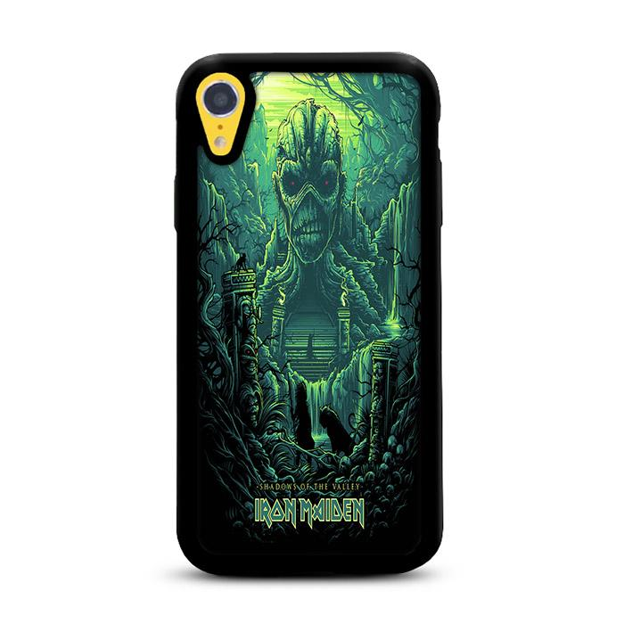 Shadows of The Valley Dan Mumford iPhone XR hoesjes