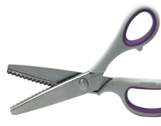 Pinking scissors/shears - A Plus Craft