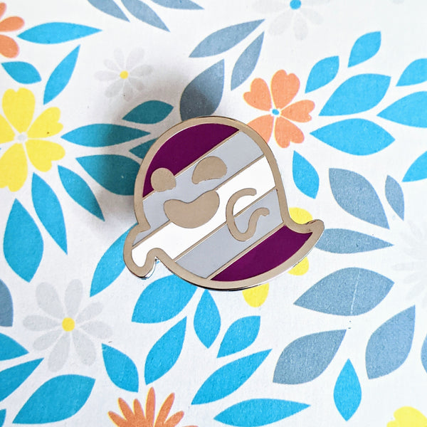 Gjengray (graysexual / gray asexual pride) hard enamel pin