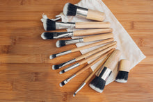 Load image into Gallery viewer, Bamboo Make Up Brush Set