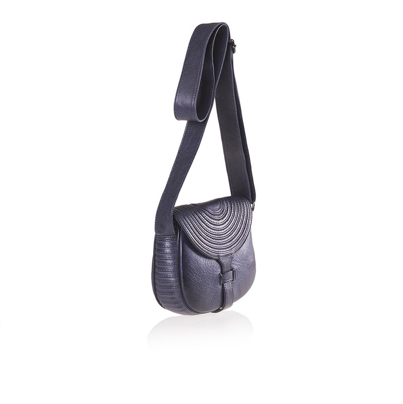 Bohk 592, shoulder bag - pelle di vitello, fodera in cotone, taschino interno e chiusura con magnete - vista laterale