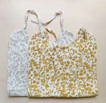 Load image into Gallery viewer, Haps Nordic Sui Muslin Bib Bib Neutral Terrazzo