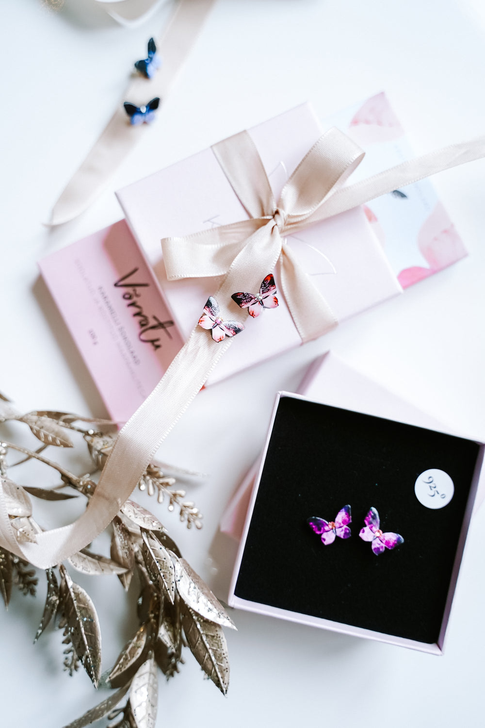 KUMA Butterfly Earrings x KUMA chocolate Gift Set