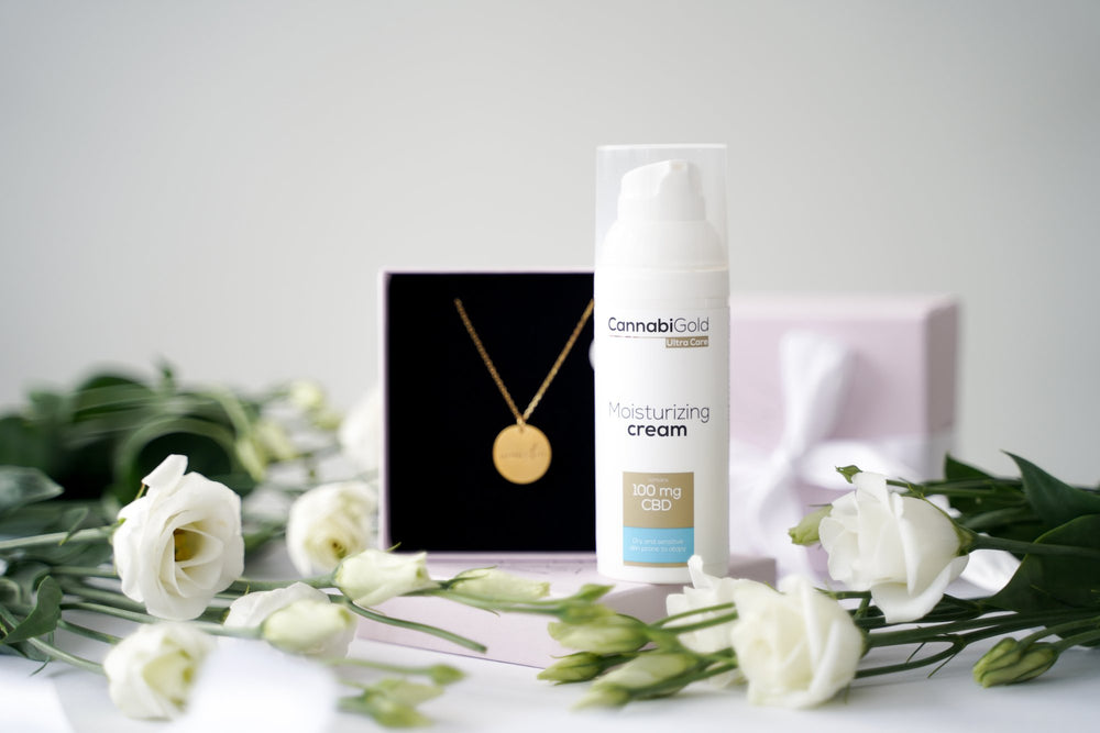 "KUMA ""Armastan"" necklace x CannabiGold face cream Gift Set"