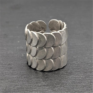 Load image into Gallery viewer, Pure Silver Karen Hill Tribe Overlapping Fish Scales Ring