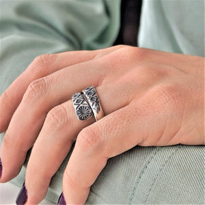 Load image into Gallery viewer, Pure Silver Karen Hill Tribe Wraparound Engraved Ring
