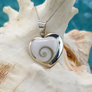 Load image into Gallery viewer, Sterling Silver Heart Shaped Shiva Eye Shell Necklace