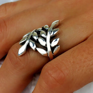 Load image into Gallery viewer, Sterling Silver Leaf Vine Branch Laurel Leaves Ring