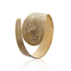 Load image into Gallery viewer, Gold Brass Embossed Flower Bangle Bracelet