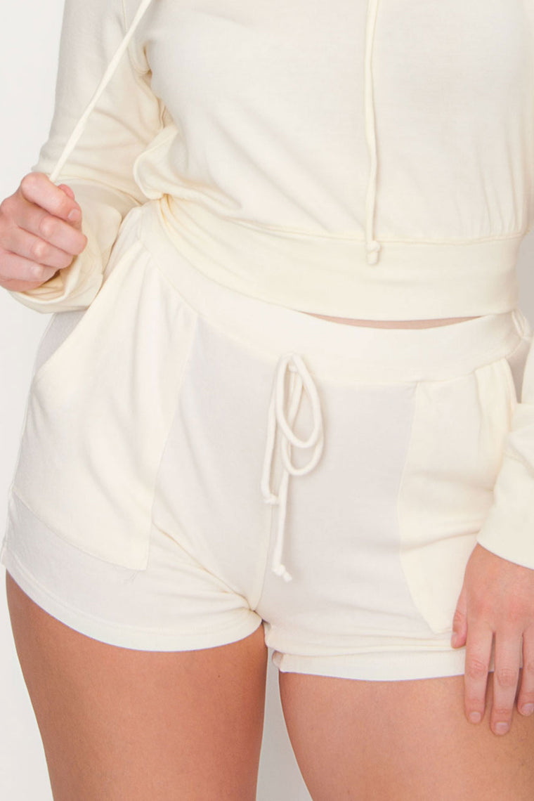 One Up Pocket Short - Ivory