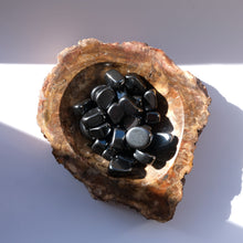 Load image into Gallery viewer, Hematite Tumbled Stones