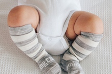 Load image into Gallery viewer, BABY CATERPILLAR - Merino knee-high socks