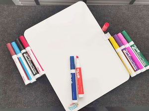 Colourful dry wipe marker pens for whiteboards