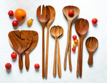 Load image into Gallery viewer, Teak Oval Serving Set