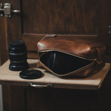 Load image into Gallery viewer, Brown Large Leather Dopp Kit
