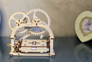Building the Mechanical Box - creative kids kit for or ages 8-12