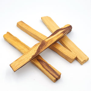 Palo Santo, or Holy Stick, (Burseara Graveolens) is a natural wood aromatic incense used for centuries by the Incas and indigenous people of the Andes as a spiritual remedy for purifying and cleansing, as well as to get rid of evil spirits and misfortune. as well as for medicinal purposes. I