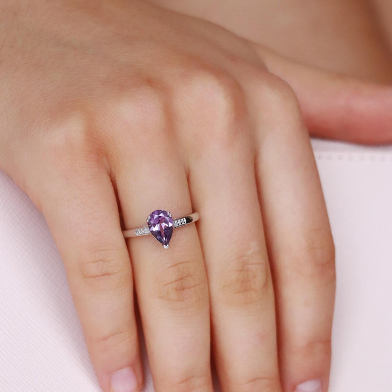 Amethyst  Ring with 0.03ct Diamonds in 9K White Gold