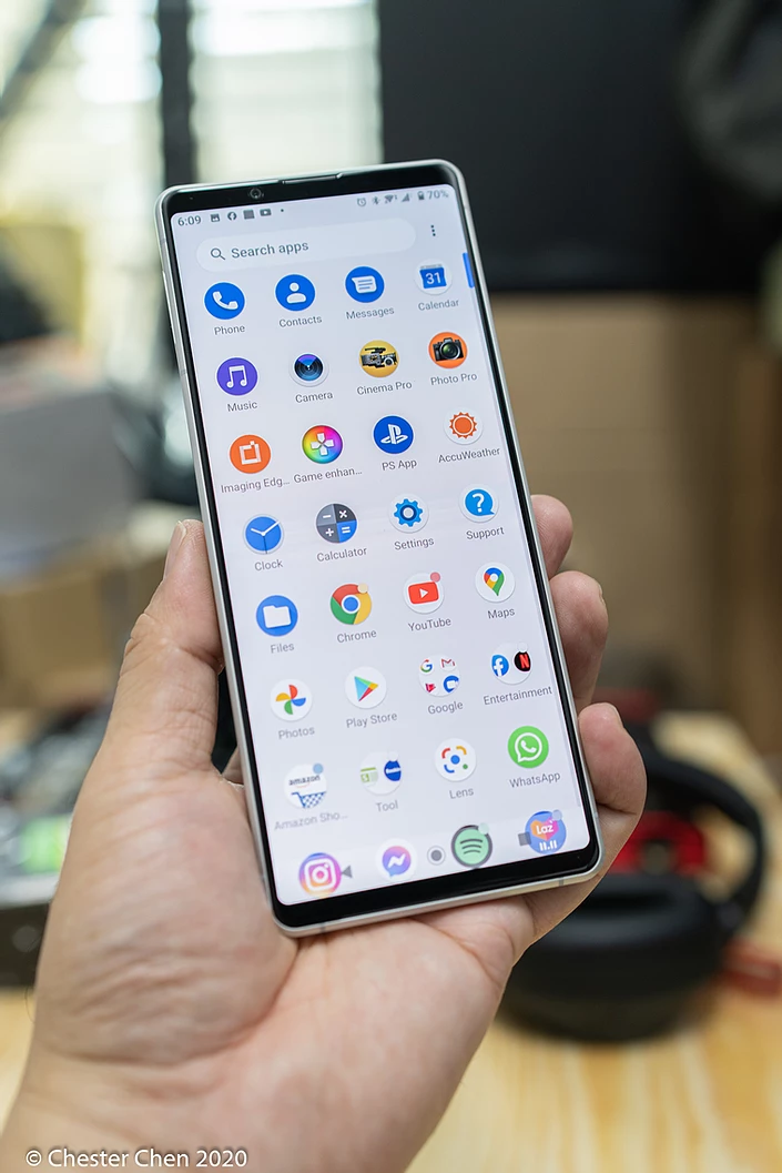"""Xperia 1 II's gorgeous 6.5"""" OLED display with 21:9 ratio"""