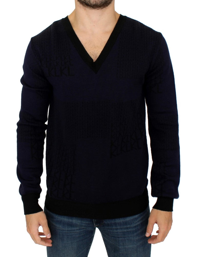 Blue v-neck pullover sweater