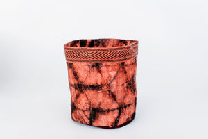 Hexagon Motif Clamp-Dyed Non-Woven Cocoon Silk Basket Family Red and Black