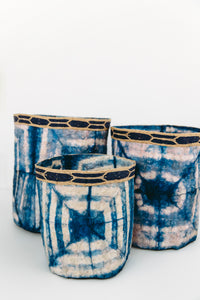 Square Motif Clamp Dyed Non-Woven Cocoon Silk Baskets With Raffia Trim Blue & White