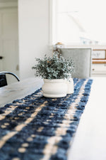 Load image into Gallery viewer, Ceranchia Shibori Table Runner
