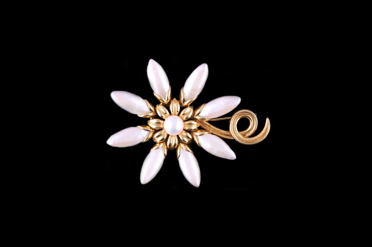 Mikimoto 18ct Yellow Gold Freshwater Pearl Brooch