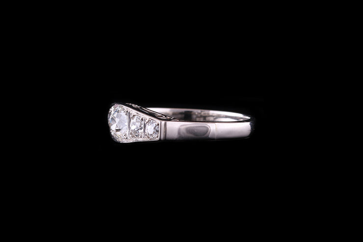 14 ct White Gold Diamond Five Stone Ring
