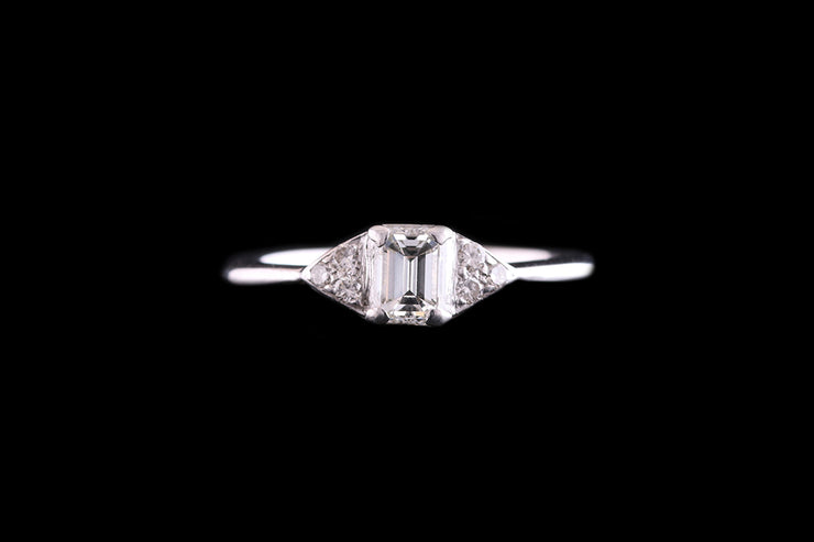 18ct White Gold Diamond Single Stone Ring with Diamond Shoulders