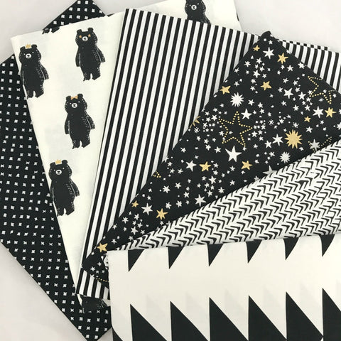 Black & White Fat Quarter Bundle