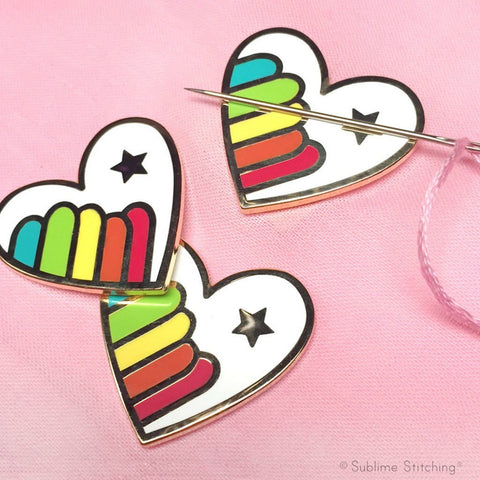 Hoop Flair - Rainbow Heart Needle Minder