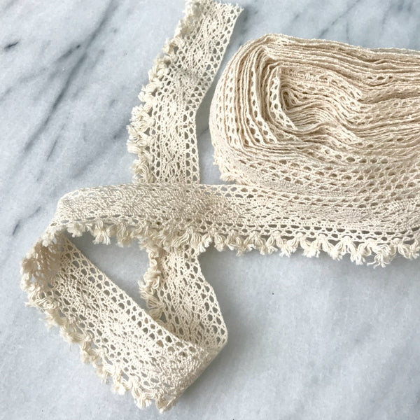 Crochet Lace Trim with Fringe in Cream