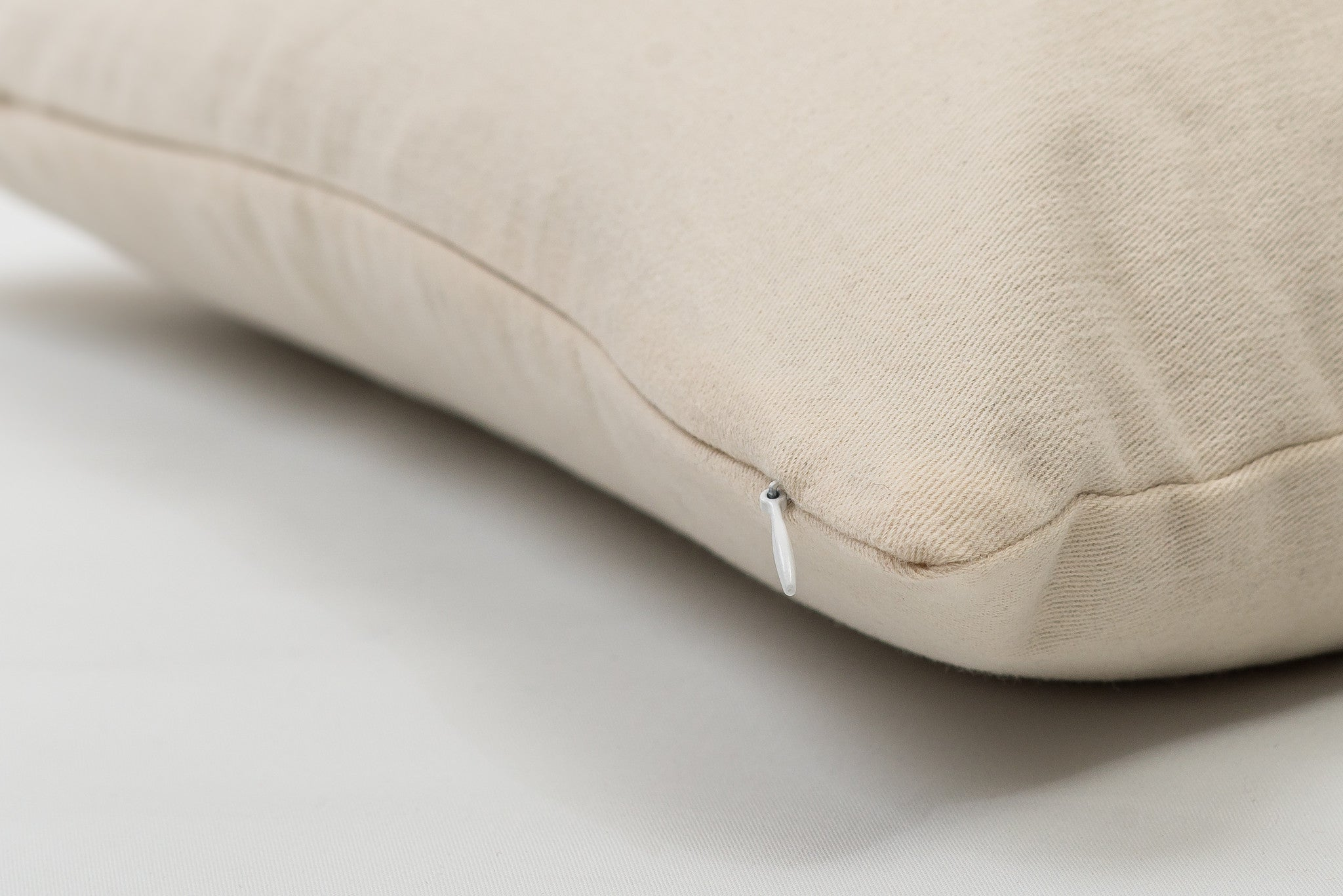 ComfySleep woven cotton twill cover with zipper