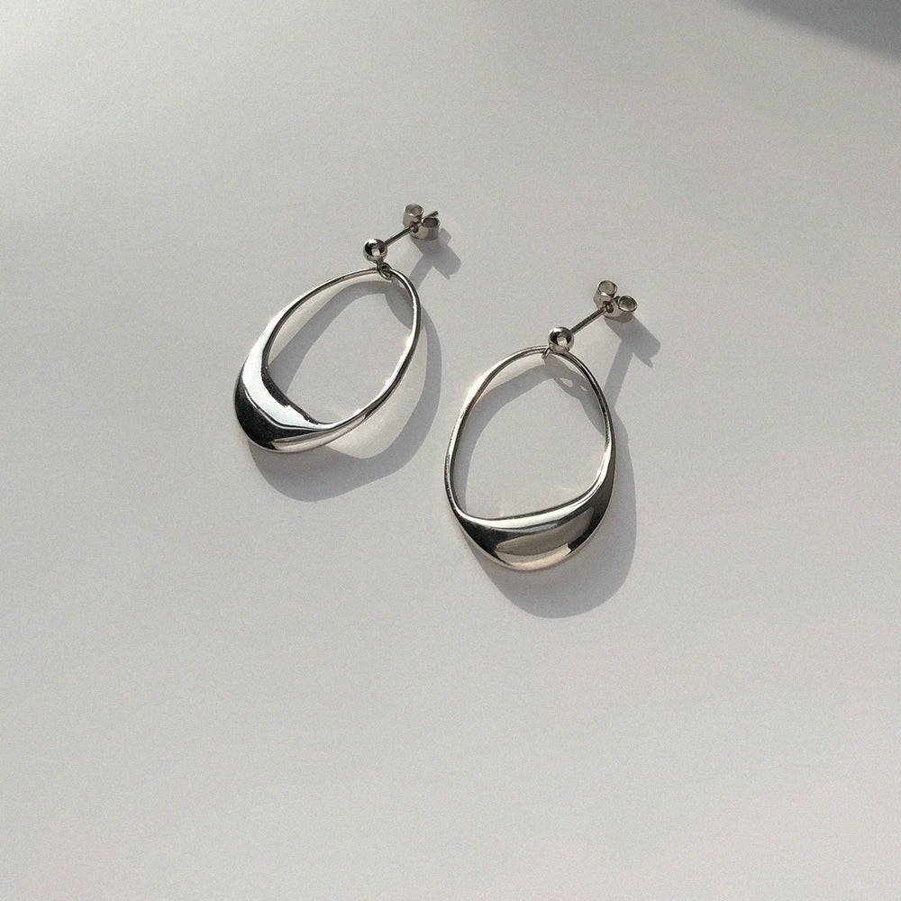 Load image into Gallery viewer, BAR Jewellery Sustainable Dip Earrings In Silver