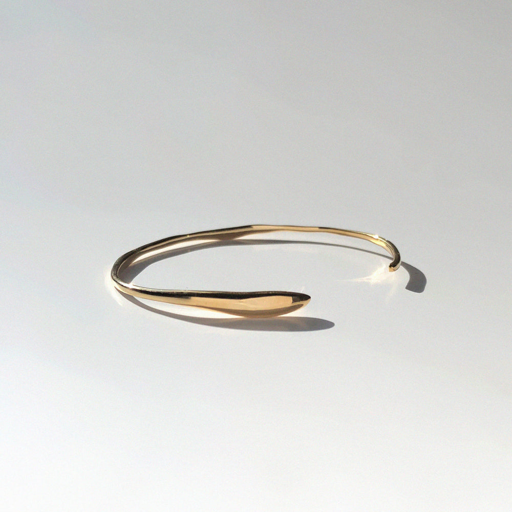 Load image into Gallery viewer, Fine Ripple Bracelet | Gold