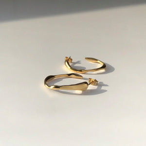 BAR Jewellery Sustainable Ripple Hoop Earrings In Gold