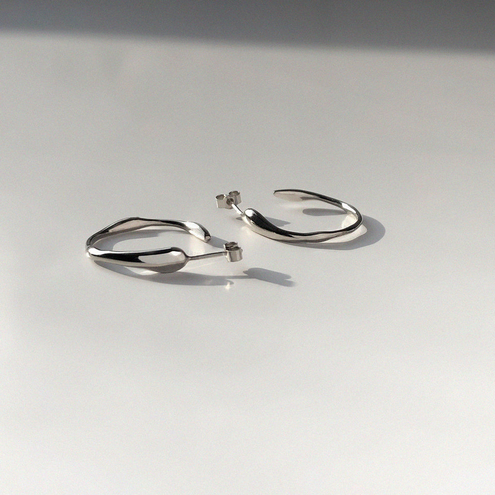 Load image into Gallery viewer, Ripple Earrings | Silver