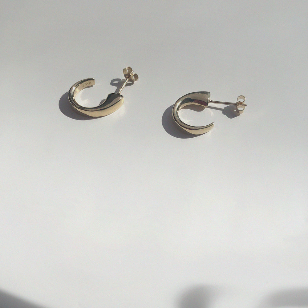 Load image into Gallery viewer, BAR Jewellery Sustainable Taper Earrings In Gold Hoop Style